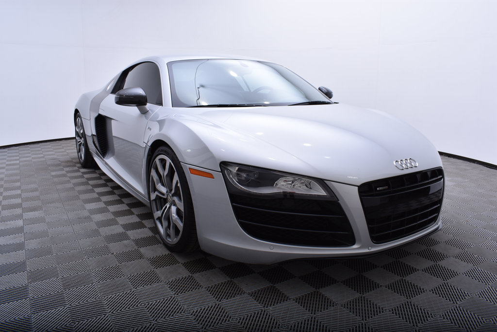 Pre-Owned 2011 Audi R8 2dr Coupe Automatic quattro 5.2L