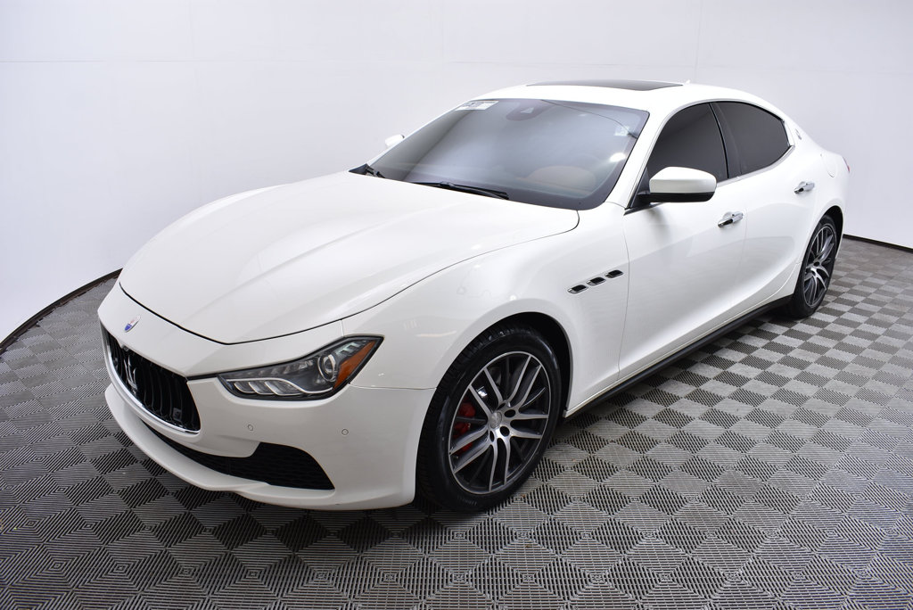 Certified Pre Owned 2017 Maserati Ghibli S Q4 3 0l Sedan In Golden